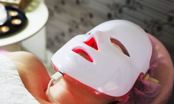 red light therapy face mask