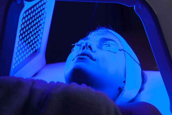 red and blue light therapy