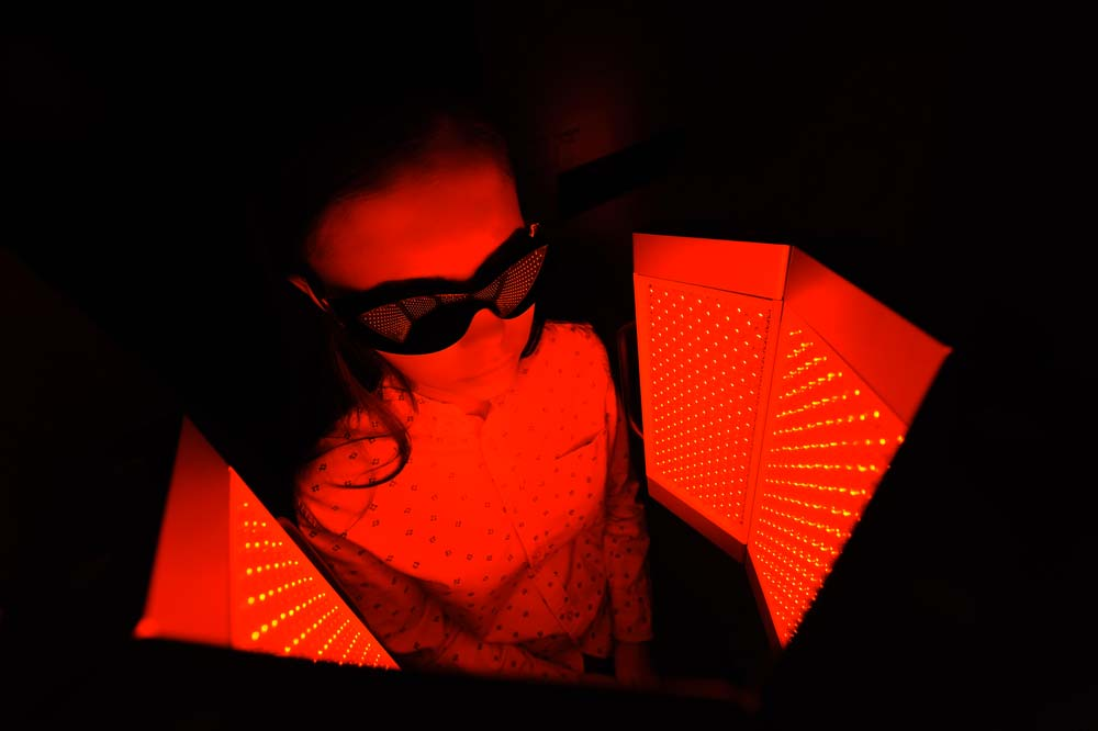 red light therapy for eczema