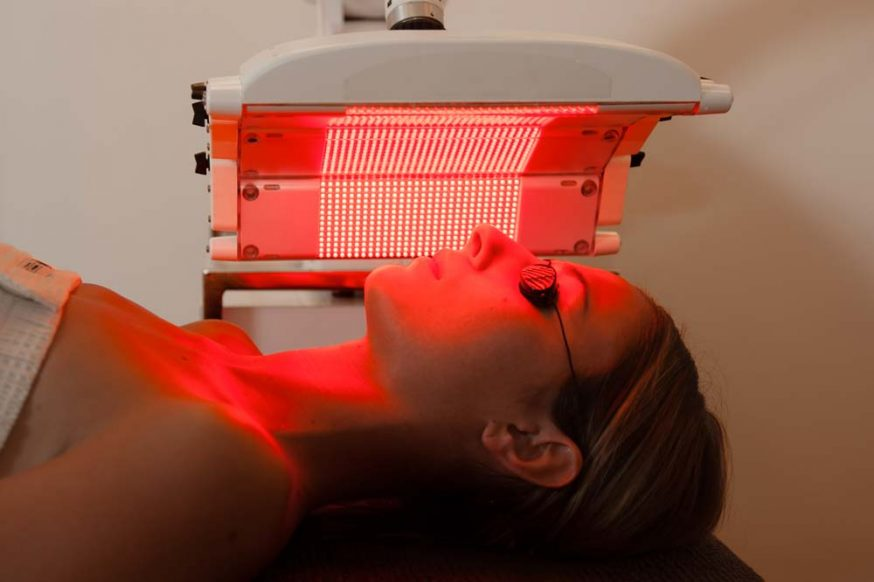 red light therapy pros cons