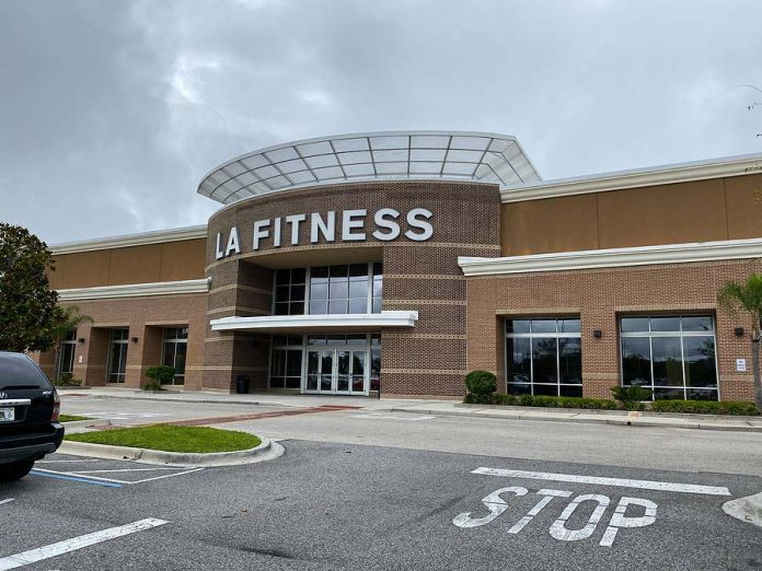 la fitness guest policy